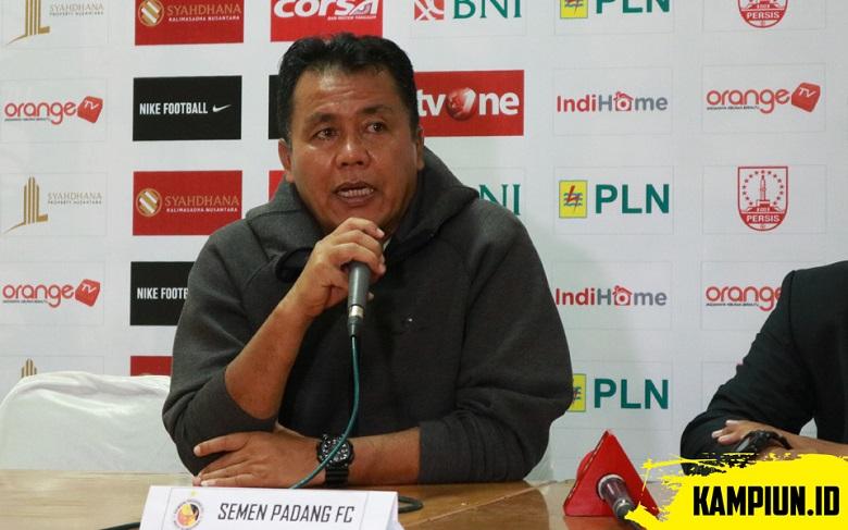 Sikap Berani Pelatih Semen Padang Jika Jeblok di Liga 1 2019